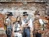 Absinth Amon e Dr. K con amici Steamers