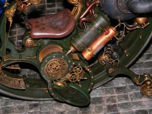 Particolare della complessa struttura del motore del modellino