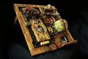 Life Extractor Experiment 4 una scultura della serie La piccola bottega degli orrori